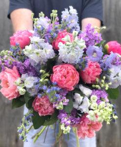 peony bouquet vintage live